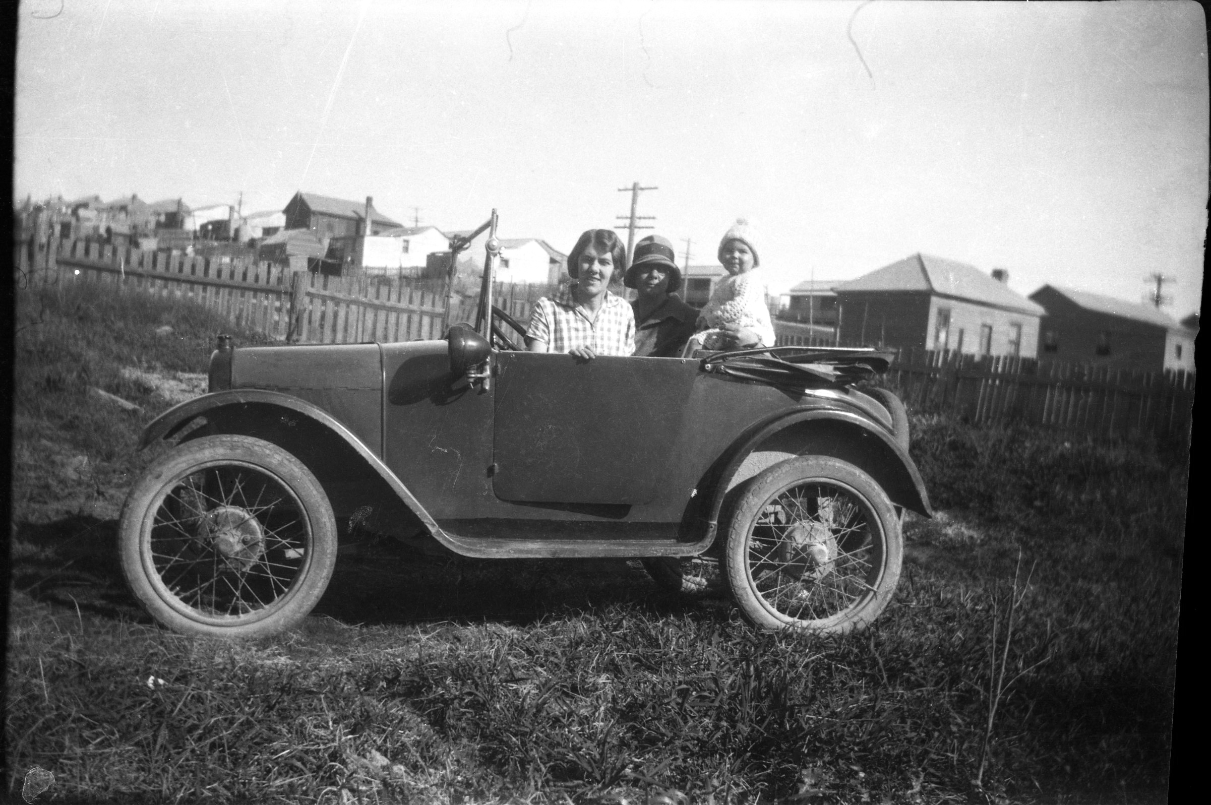 Alice Allen, Grace & Little Pat in the Austin 7 'Bedpan'