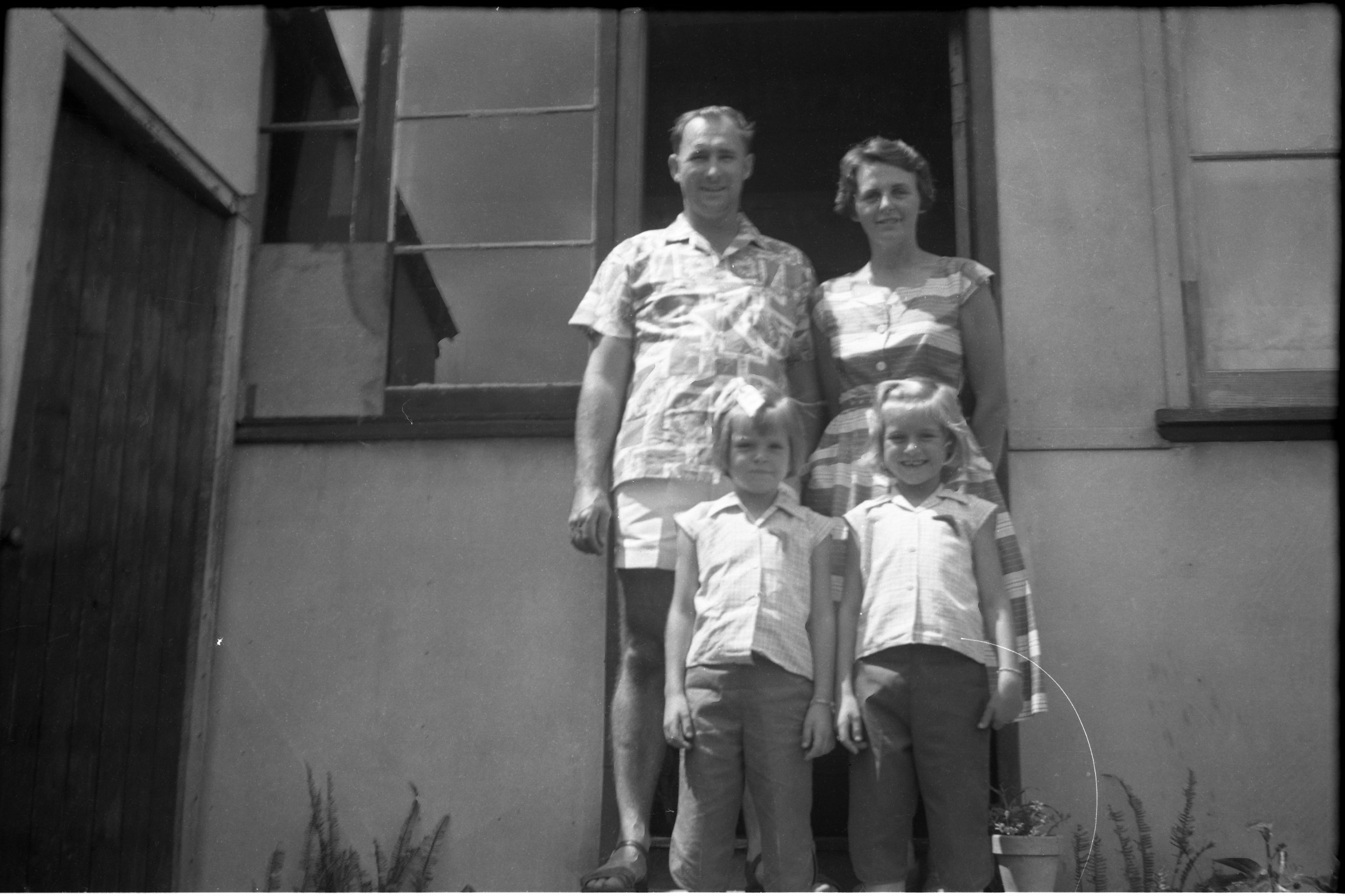 Unknown family at Concord, Sydney