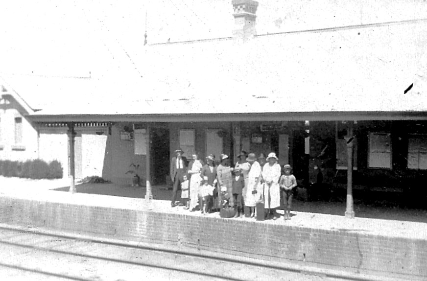 Clandulla Railway Station-Family seeing Grace away