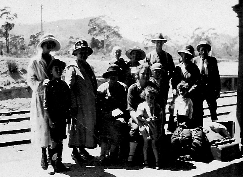 Family Group at Clandulla Station (Phil Slapp centre with hat)