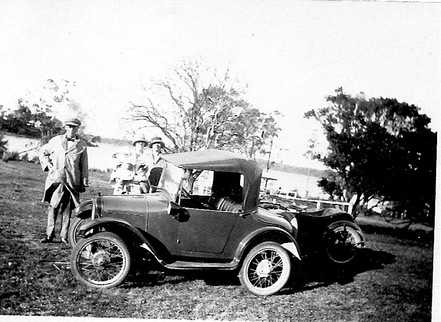 Grace's car Austin 7 Bedpan with unknown people