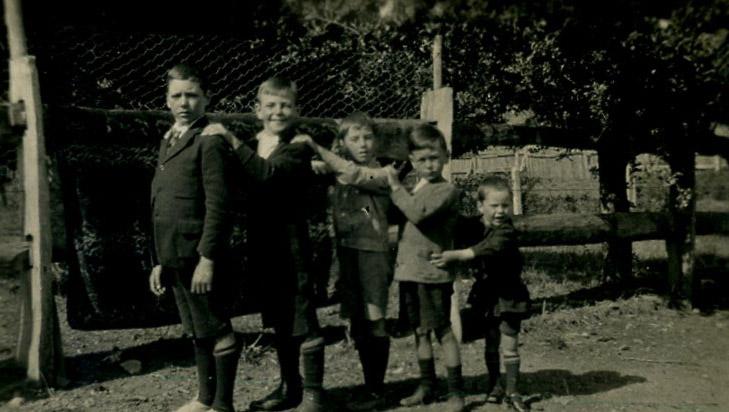 Ivan Cafe, Lawson Slapp, Jim Readford, Bob Slapp, Athol Cafe, at Pleasant Valley 1924